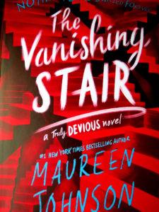 Buchcover: The Vanishing Stair by Maureen Johnson