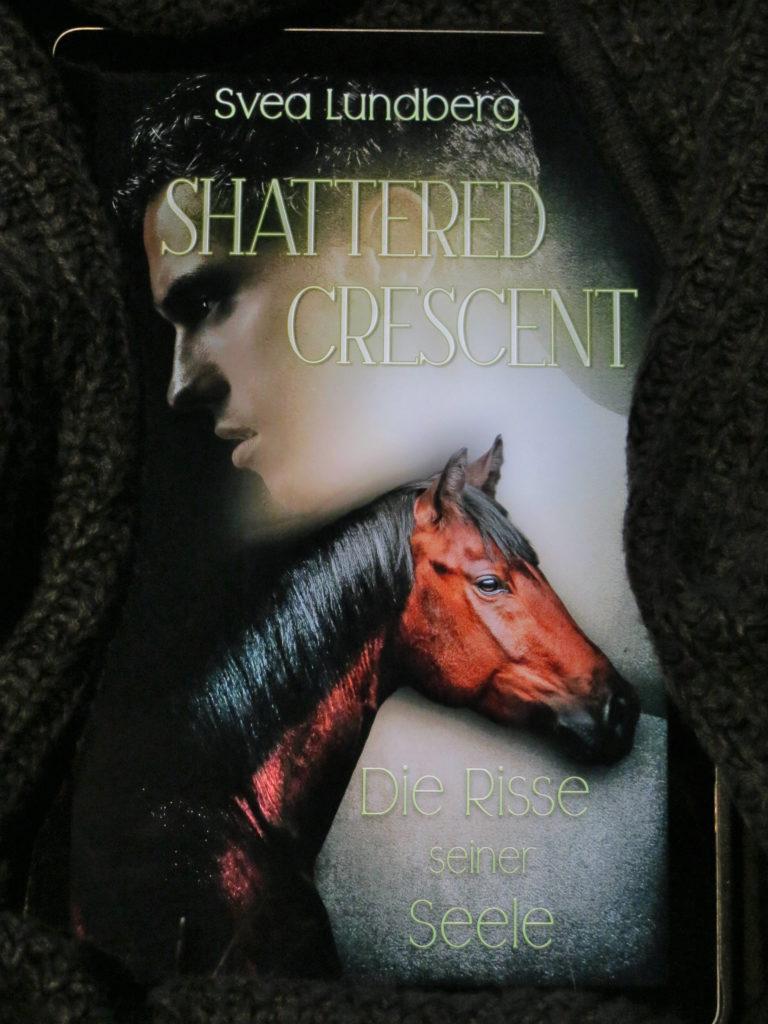 "E-Book-Cover: ""Shattered Crescent: Die Risse seiner Seele"" von Svea Lundberg"